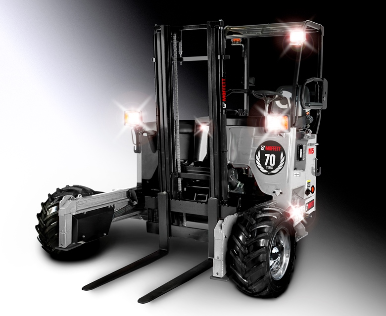 CCF wins Hiab's MOFFETT charity truck-mounted forklift auction