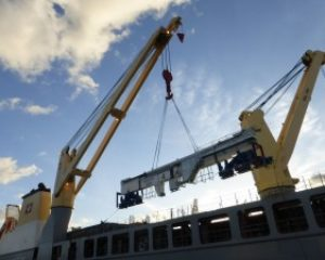GEODIS transports 8 large gantry cranes from Poland to Canada