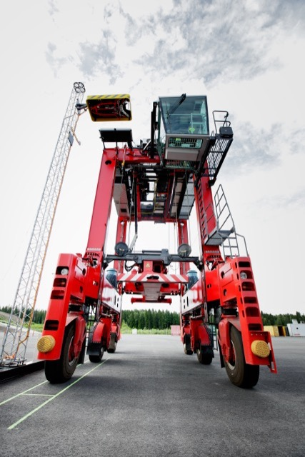 Hiab's HiConnect(TM) – a connected solution for load handling