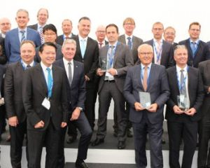 "Hankook's ""Strategic Partnership"" honoured by Schmitz Cargobull"