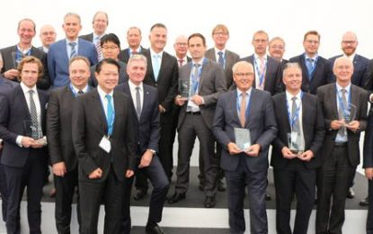 "Hankook's ""Strategic Partnership"" honoured by Schmitz Cargobull"