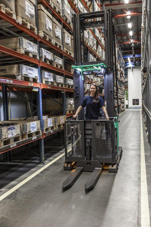 Mitsubishi VELiA EX: Scale the heights of productivity