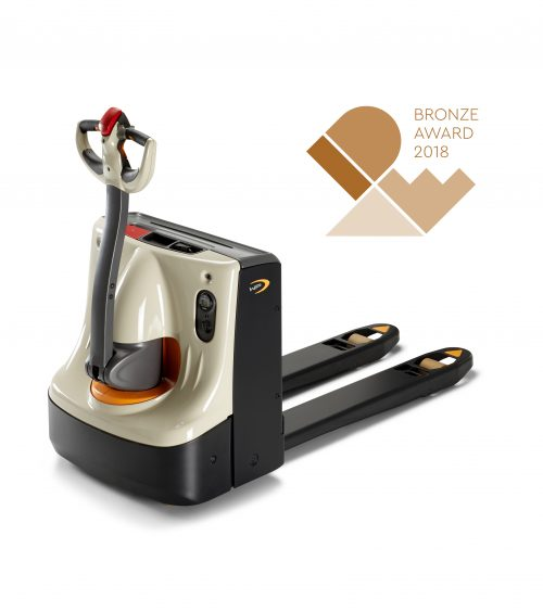 International Design Excellence Award 2018 for Crown's WP 3010 electric pallet truck