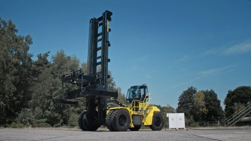 Hyster Reveals Fuel Cell Container Handler at Greenport Congress