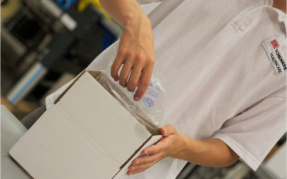 Building up test capacities: DB Schenker transports hundreds of thousands of Corona test kits