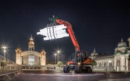 Doosan Excavator Art Installation Shines in Prague