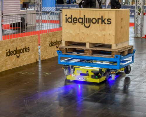 """idealworks' iw.hub wins IFOY AWARD 2021 in the category """"AGV"""""""